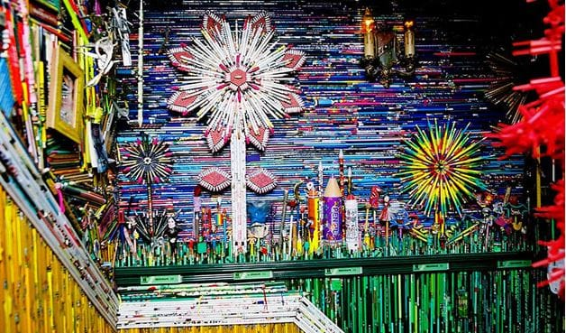 Using 185,252 colored pencils, San Francisco's Jason Mecier singlehandedly designed and installed this piece, which took him five years